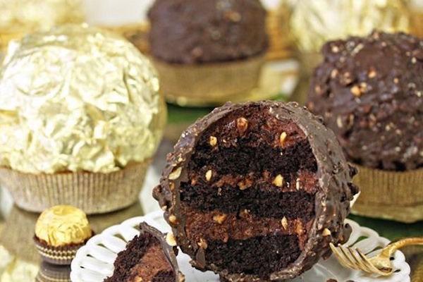 giant-ferrero-rocher-hazelnut-mousse-cake-smooth_start